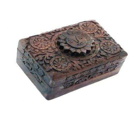 boite-a-bijoux-tarot-avec-soleil-en-bois-sculpte