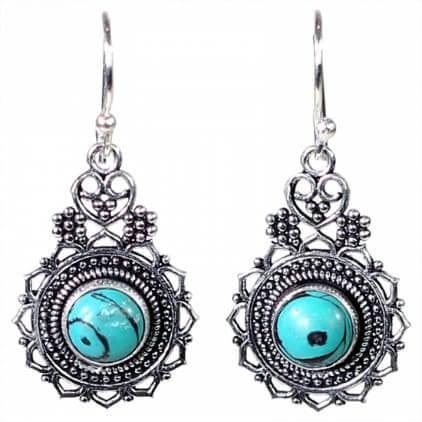 boucles-d-oreilles-bohemiennes-avec-turquoise