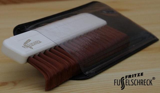 fritze-le-petit-fusselschreck-brosse-de-poche-universelle?size=blanc-brun